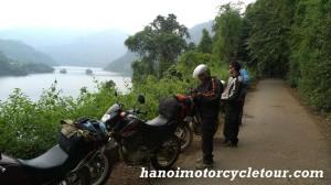 motorbike Ba Be lake