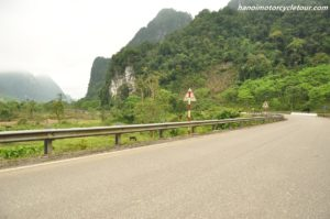 Ho Chi Minh trail Motobike