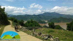 motorbike Thac ba lake
